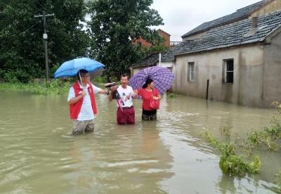安徽肥东:逆流而行,防汛救灾一线勇担当