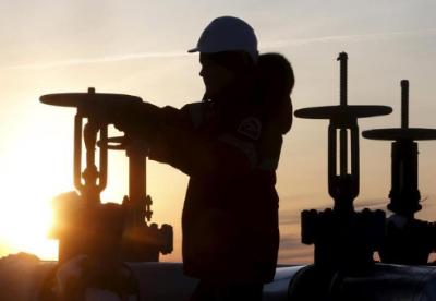 哈萨克斯坦将确保完成石油减产承诺