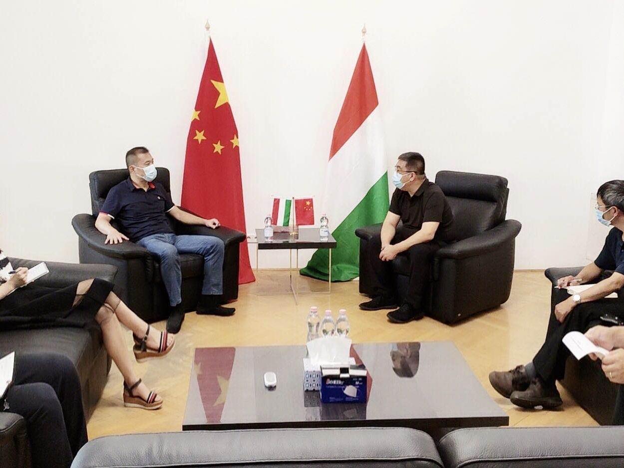 刘波公参与中欧商贸物流园谈中欧班列促进工作