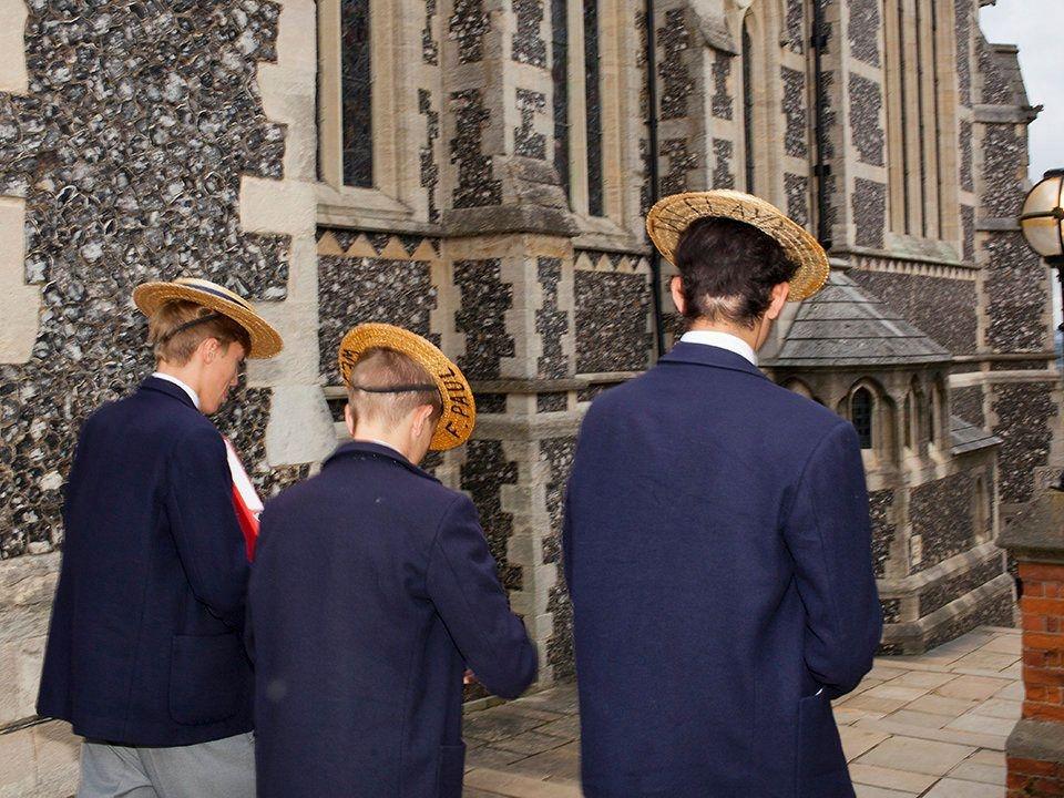 英国精英私立学校承受的疫情压力
