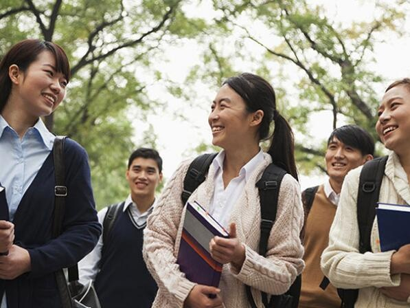 印专家称赞中国高等教育取得的巨大成就