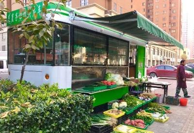 """安徽宿州:蔬菜直销车""""开""""到了市民家门口"""