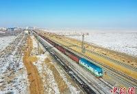 中蒙最大陆路口岸铁路标准轨增至3条 打通运输瓶颈