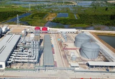 中企承建的柬埔寨最大双燃料内燃机项目正式发电