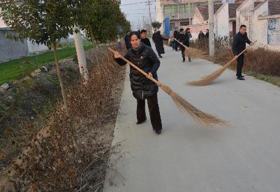 安徽泗县:清洁行动靓乡村  爱心超市助脱贫