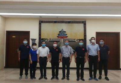 欧阳道冰参赞会见中国援赞第22批医疗队赵海源队长一行