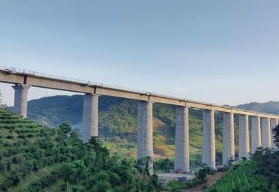 加快通道平台建设 云南普洱加快对外开放发展步伐