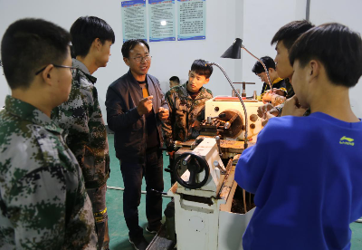 """安徽泗县:技能培训架起就业创业""""致富桥"""""""