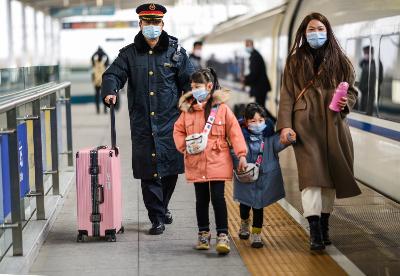 春节期间蚌埠火车站共发送旅客12.7万人