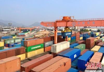 义乌中欧班列今年发运货物同比增长逾370%