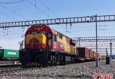 新疆阿拉山口口岸今年出口跨境电商包裹破1000万件