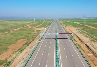 蒙古国新机场高速公路获境外工程鲁班奖