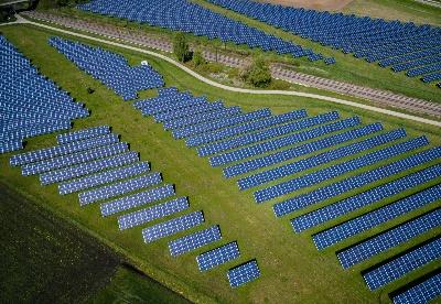 确保向可再生能源系统平稳转型的四种途径