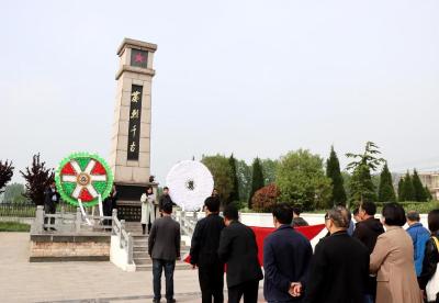 安徽泗县教体局:瞻仰烈士陵园   筑牢信仰之基