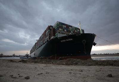 苏伊士运河阻塞事件的经验教训与挑战
