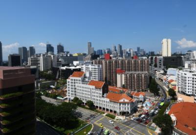 新加坡政府维持经济增长预期但各行业复苏步伐不一