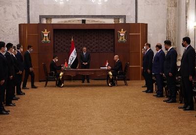 卡迪米总理见证中建伊拉克纳西里耶国际机场项目签约仪式