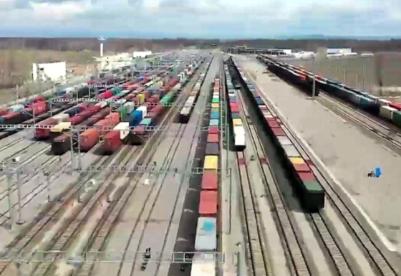 霍尔果斯进出境中欧(中亚)班列2495列 同比增长61.8%