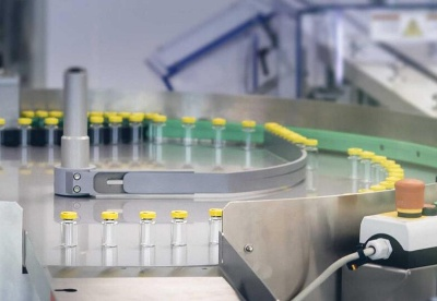 美专家分析加快疫苗接种带来的经济成本和效益