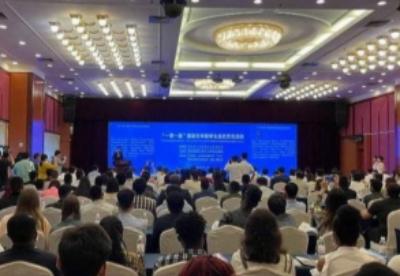 """专场招聘会给""""一带一路""""国家在华留学生在青岛发展提供平台"""