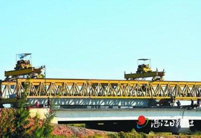 东雷高速完成全线架梁施工 为实现年底通车奠定基础