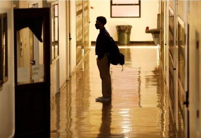 美智库:学校重新开放后的远程教育
