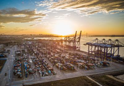 跨境服贸首张负面清单将激发优势与潜力