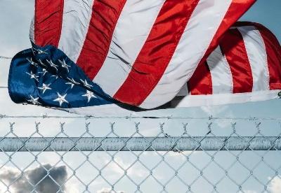 朱锋:美国当前最大的威胁是美国