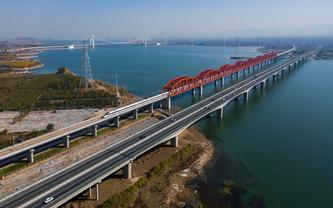 Beijing-Zhangjiakou high-speed railway line starts test runs