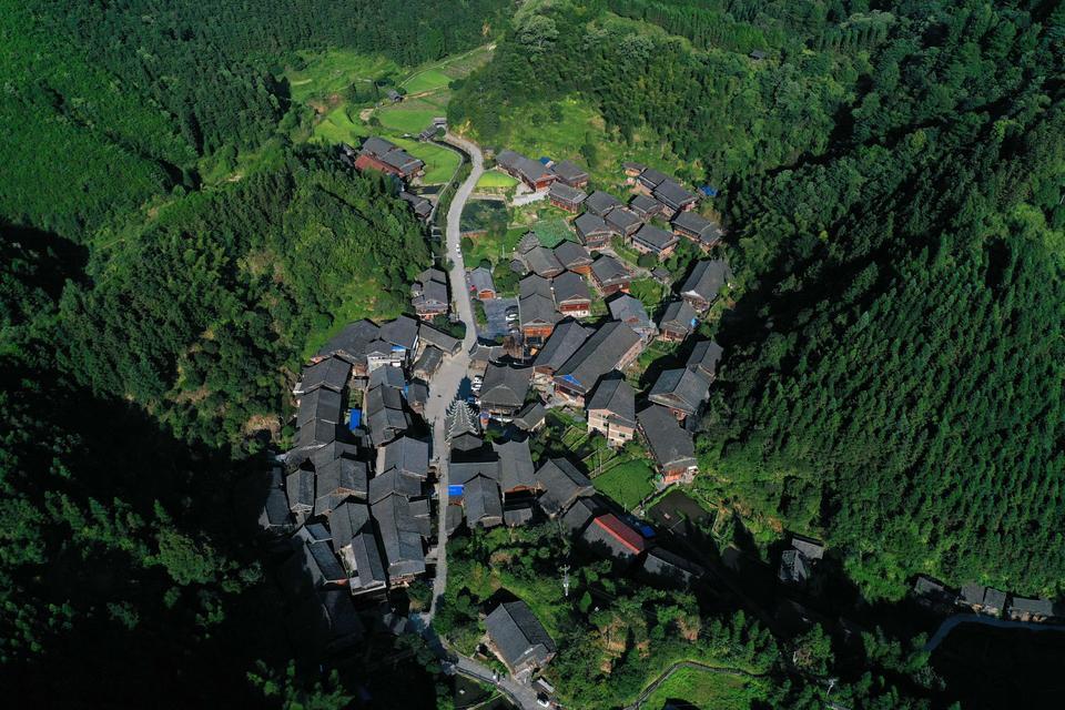 美丽中国:湖南侗族民居建筑群
