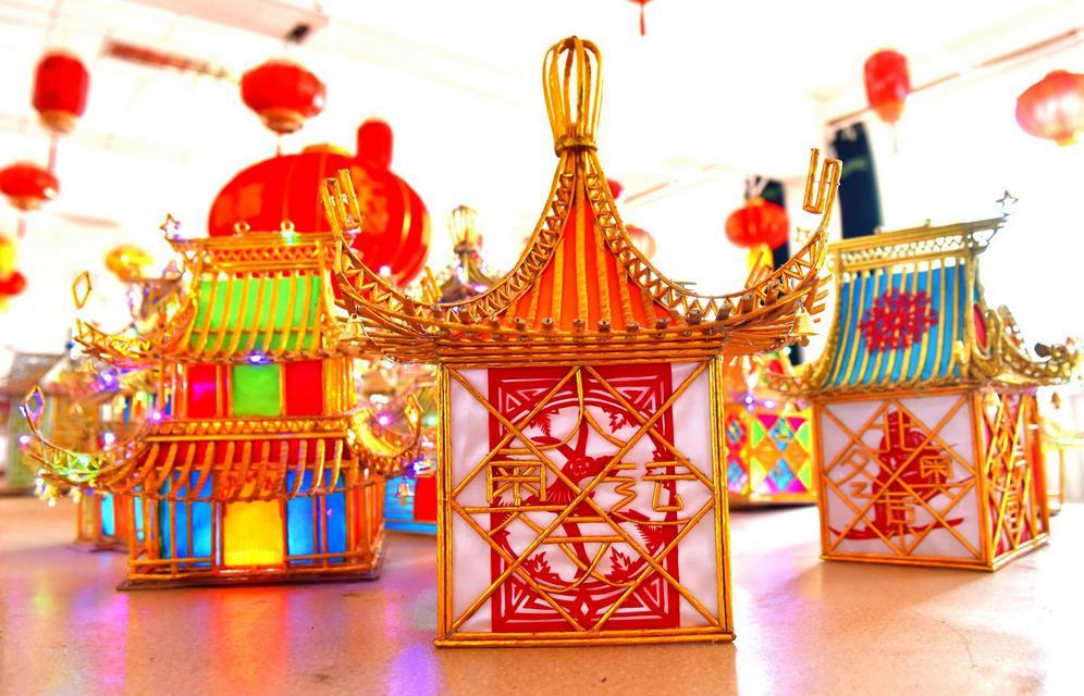 Lanterns light up better life for Chinese craftsmen