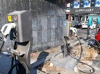 新能源充电站亮相长春新民大街 扫码拔枪即可充电