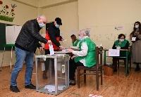 格鲁吉亚议会选举部分直选选区进行第二轮投票