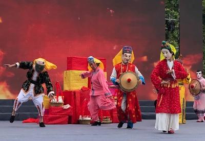 中国唯一的毛南族自治县迎来传统民族节日分龙节