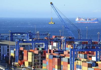 年中经济数据来了!来看看上海发展有哪些亮点