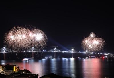 通讯:中企承建克罗地亚佩列沙茨跨海大桥成功合龙
