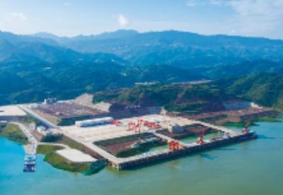 长江上游首个万吨级港口新生港正式开港
